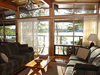 pg-lakeview-cottage-interior